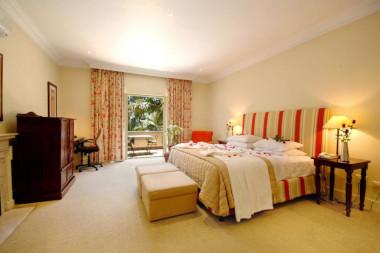 10 2ND AVENUE HOUGHTON ESTATE luxury bedroom