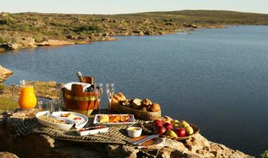 Bushman Kloof oudoor lake lunch