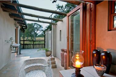 Nottens outdoor shower sabi sands safari
