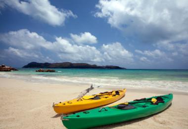 Raffles Preslin sea Kayaks Seychelles