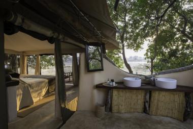 Tena Tena bathroom South Luangwa Zambia Safari.