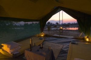 Zambia-walking-safari-tent.
