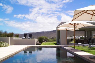 Birkenhead villa pool