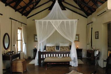 Selati camp bedroom suite